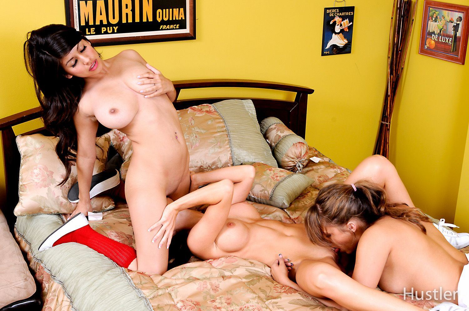 mature and young lesbo tube