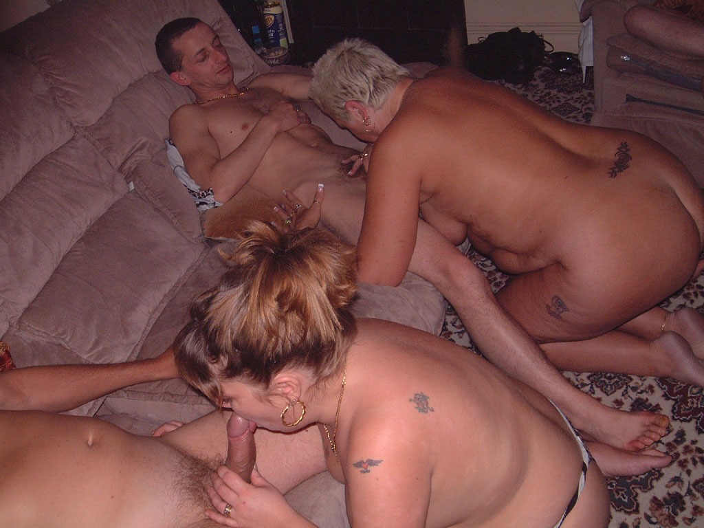 lesbians eating the pussy